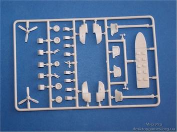 Пластиковая модель пассажирского самолета Ан-28 - фото 3