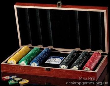 Покерный набор на 300 фишек, кейс дерево