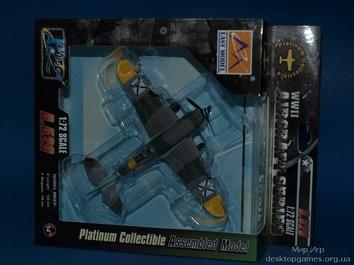 Склеенная коллекционная модель самолета Девуатин D.520