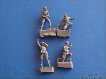 Фигурки советских артиллерийских солдат