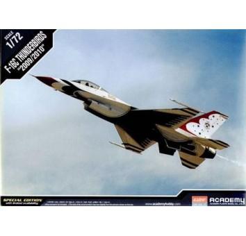 Пластиковая модель самолета F-16C Thunderbirds 3/11
