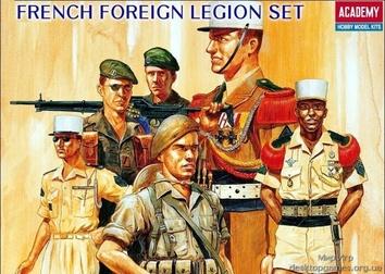 Фигурки французских легионеров