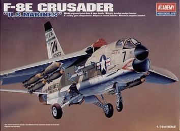 Американский истребитель F-8E «Крусейдер»
