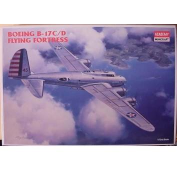 Сборная модель стратегического бомбардировщика В-17С «Летающая крепость»