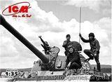 ICM35601 Советский танковый экипаж (1979-1988)