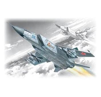 ICM72171 Mig-25 PD Soviet heavy fighter-interceptor