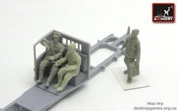 «...в кабине грузовика« советский офицер и водители (Вторая Мировая война)