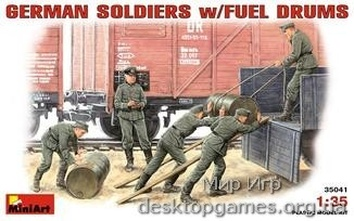 MA35041 German Soldiers w/Fuel Drums