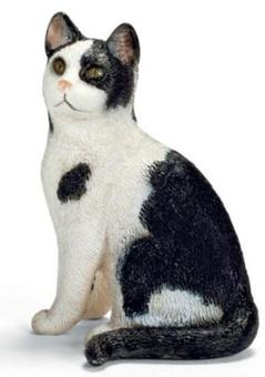 """Игрушка-фигурка """"Сидящий черно-белый кот"""""""