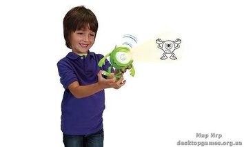 Disney Университет Монстров: монстр-фонарик со звуковыми эффектами.