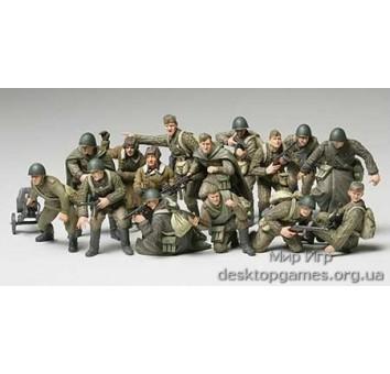 Советская пехота и экипаж танка