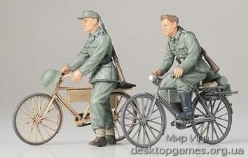 Немецкие солдаты на велосипедах