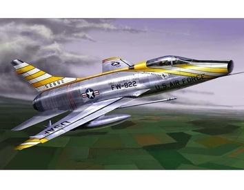 Американский истребитель F-100D Super Sabre
