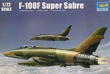 Американский истребитель F-100F Super Sabre