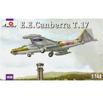E.E.Canberra T.17
