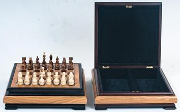 Шахматы  Ларец
